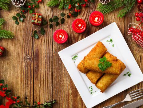 Przepis: Krokiety z kapustą i grzybami z sosem pieczarkowym