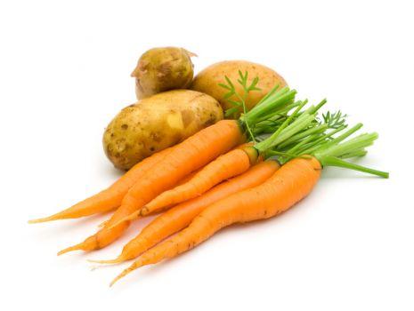 Przepis: Pyszny placek ziemniaczany z marchewką