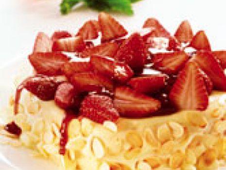 Przepis: Kremowy sernik z truskawkami