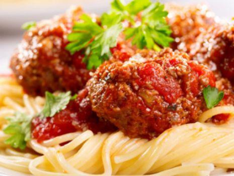 Przepis: Imbirowe klopsiki drobiowe w sosie warzywno-pomidorowym