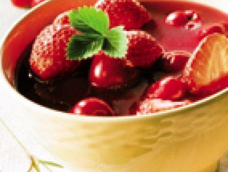 Przepis: Zupa truskawkowo-wiśniowa
