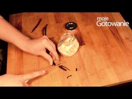 Jak zrobić domowy cukier waniliowy.
