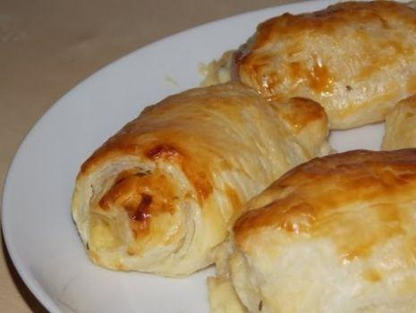 przepis na szybki obiad Parówki w cieście francuskim z sosem czosnkowym[Domowo i Modnie TV]