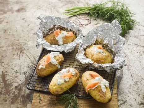 Przepis: Pieczone młode ziemniaki