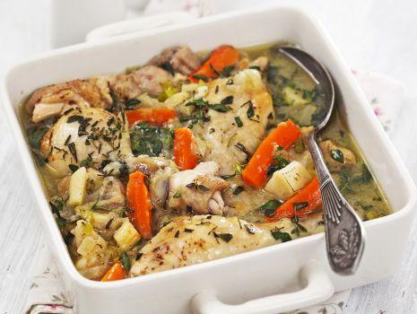 Przepis: Udka kurczaka z rozmarynem i warzywami
