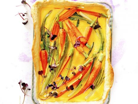 Przepis: Wiosenny quiche z marchewką