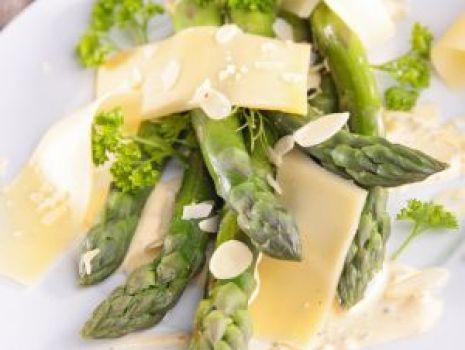 Przepis: sałatka ze szparagów