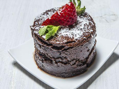 Przepis: Brownie z kaszy jaglanej z polewą kakaową