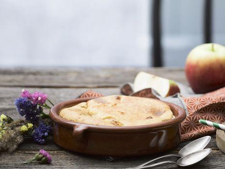Przepis: Clafoutis z jabłkami