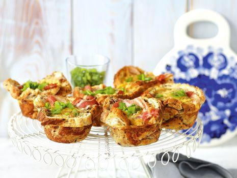 Przepis: Chlebowe muffiny z boczkiem