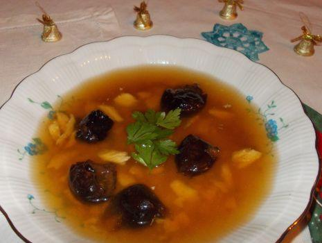 Przepis: Zupa rybna ze śliwką