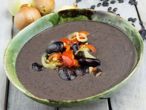 Przepis: Zupa krem z czarną fasolą