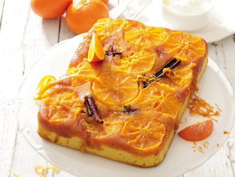 Przepis: Korzenna Klementyna - odwrócone ciasto z owocami