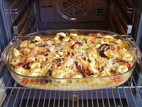 Przepis: 1. Włożyć do rozgrzanego piekarnika i zapiekać przez 40 minut w temperaturze 180C Termoobieg.