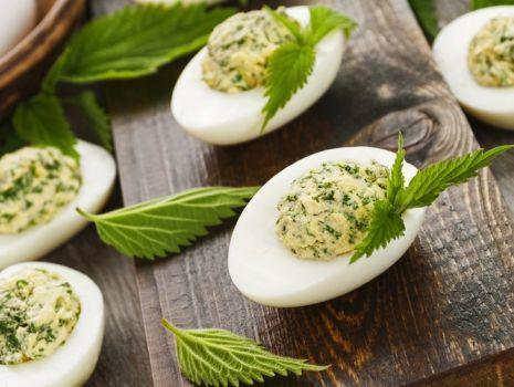 Przepis: Jajka faszerowane z zielonym farszem