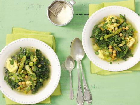 Przepis: Zupa minestrone z ciecierzycą