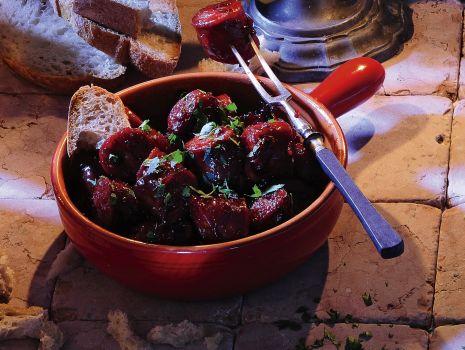 Przepis: Chorizo w czerwonym winie