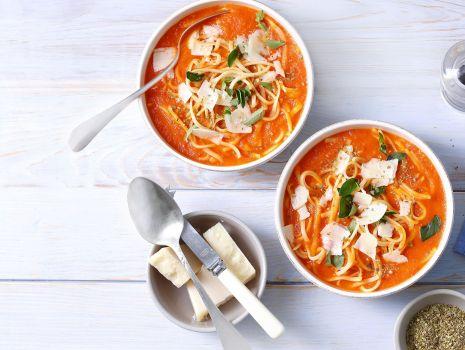 Przepis: Pomarańczowa zupa pomidorowo-paprykowa