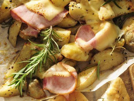 Przepis: Ziemniaki zapiekane z bekonem