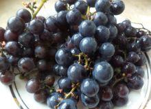 nalewka_z_ciemnych_winogron