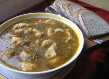 Zupa jarzynowa z kluskami kładzionymi