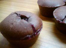 Muffiny czekoladowe z marmoladą