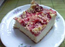 Ciasto drożdzowe z truskawkami i kruszonką