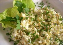 Sałatka z jajek i sera żółtego