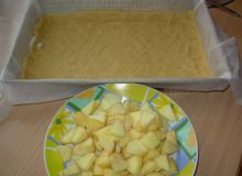ciasto_kruche_z_budyniem_i_jablkami