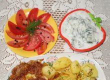 Befsztyk  wołowy - mielony smażony z cebulką ;
