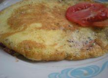 puszysty_omlet_z_pomidorami