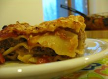 Lasagne z mięsem i pomidorami