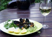 Małże w białym winie