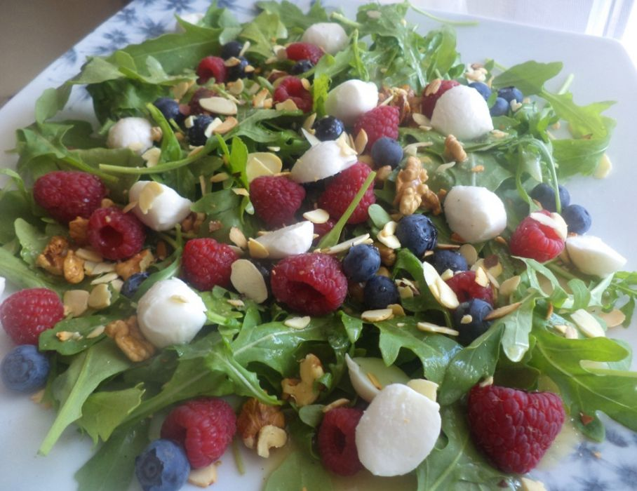 Salatka Z Rukoli Przepis Na Salatka Z Rukoli Mojegotowanie Pl