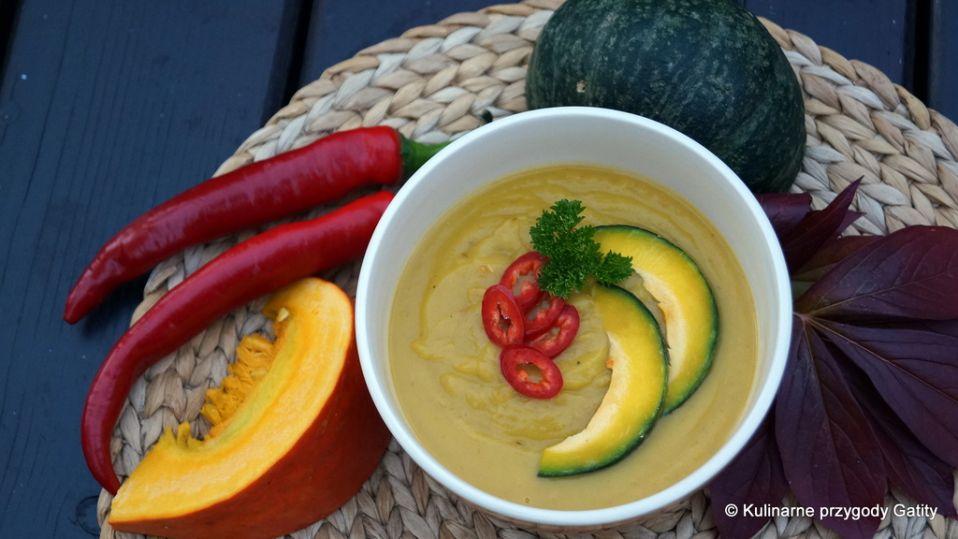 Zupa krem  z pieczonej dyni z mleczkiem kokosowym