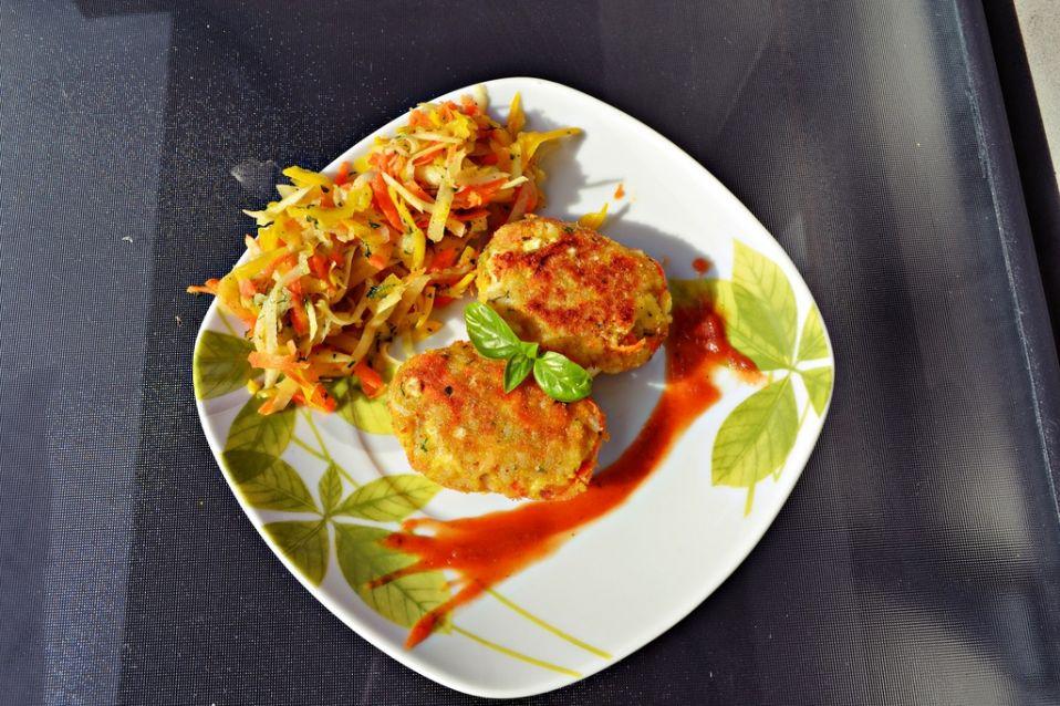 Kotlety ryżowo-jajeczne z marchewką i serem