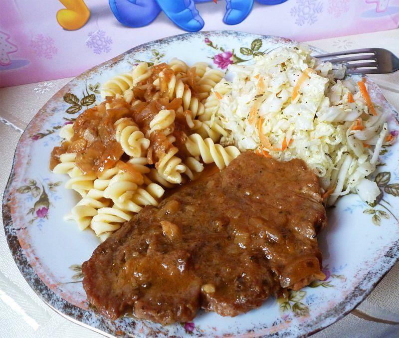 Bitki wołowe w sosie bardzo proste i smaczne