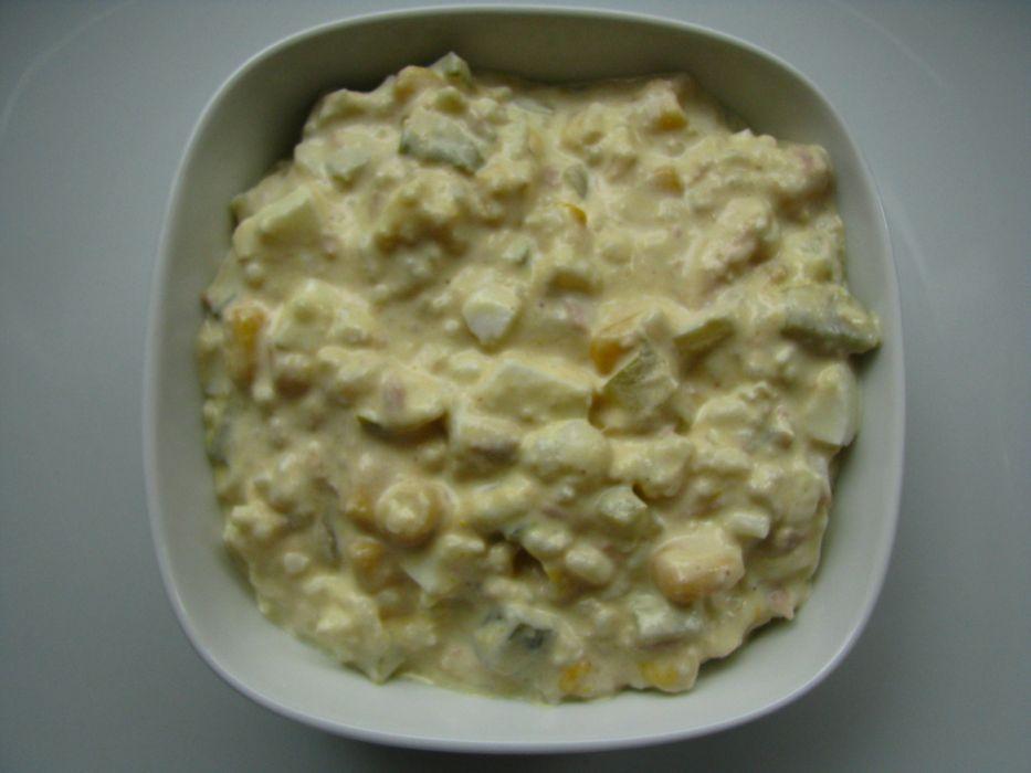 Salatka Z Tunczykiem I Kukurydza Przepis Na Salatka Z Tunczykiem I