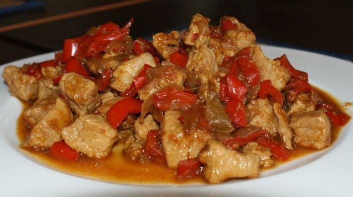 gulasz wieprzowy z papryką
