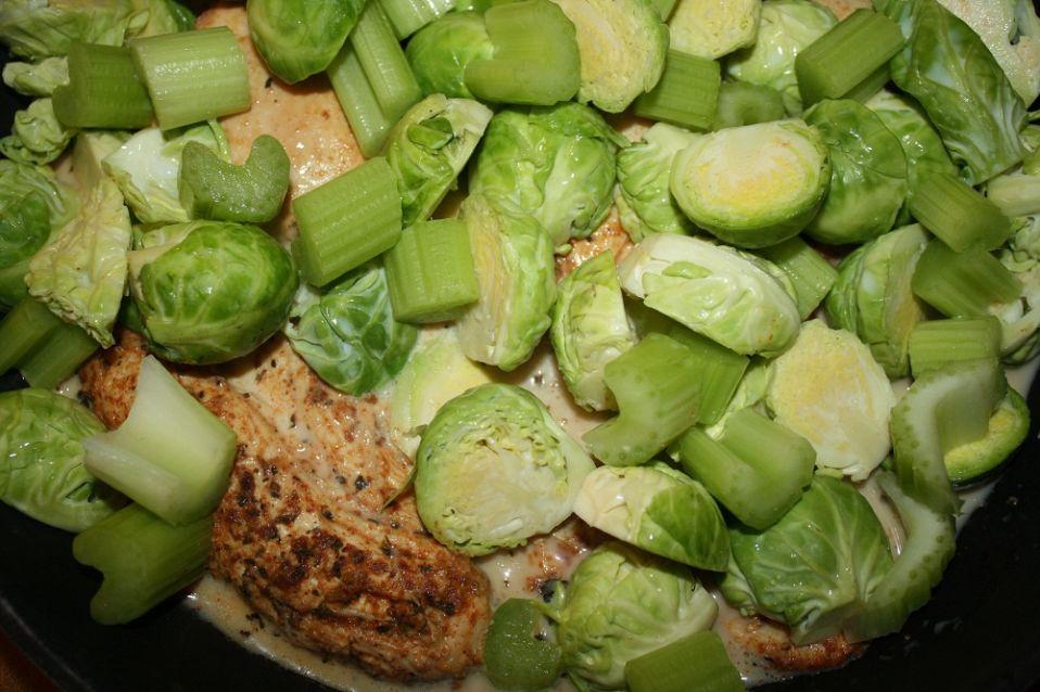 Dietetyczny Kurczak Z Brukselka I Porem Naciowym Przepis Na