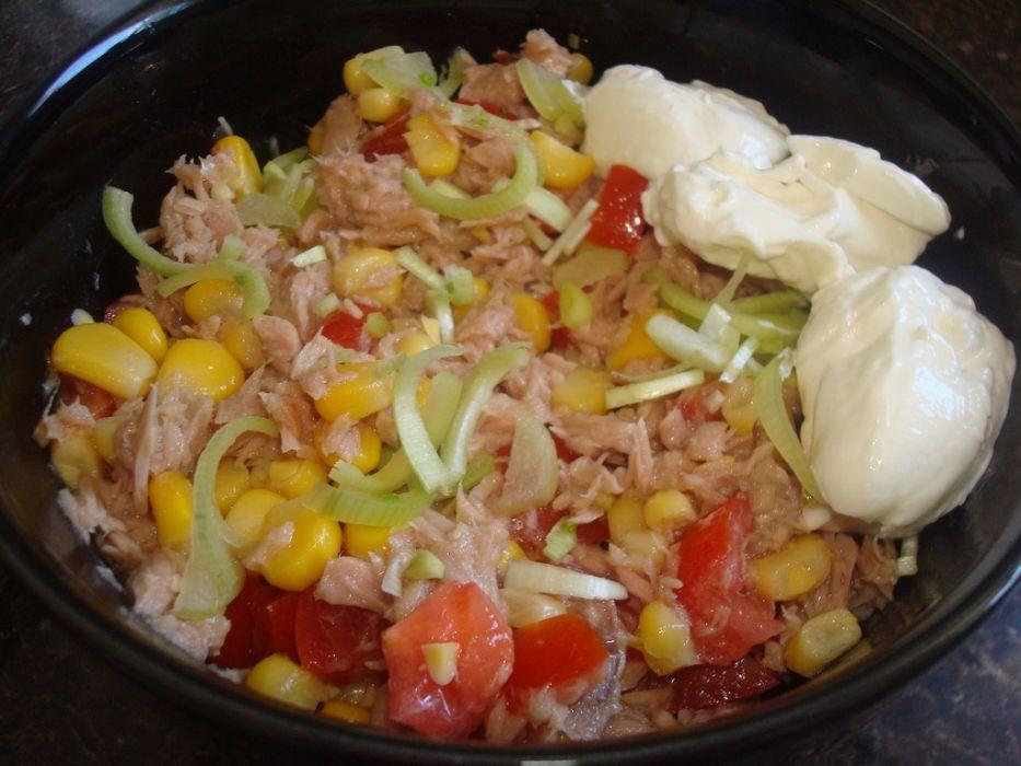 Salatka z tunczyka  Przepis na salatka z tunczyka  MojeGotowanie pl -> Kuchnia Francuska Kremowy Mus Z Tunczyka