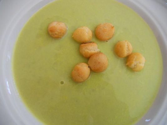 fa94f654b764c1 Zupa krem z zielonego groszku - Przepis na zupa krem z zielonego ...