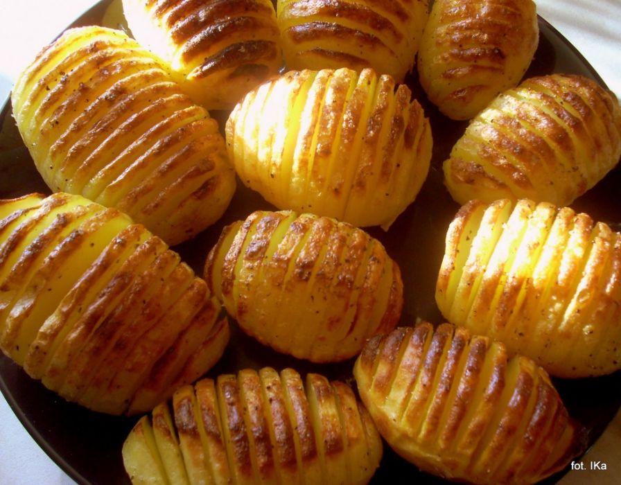 Na przepis na ziemniaki pieczone po szwedzku mojegotowanie pl
