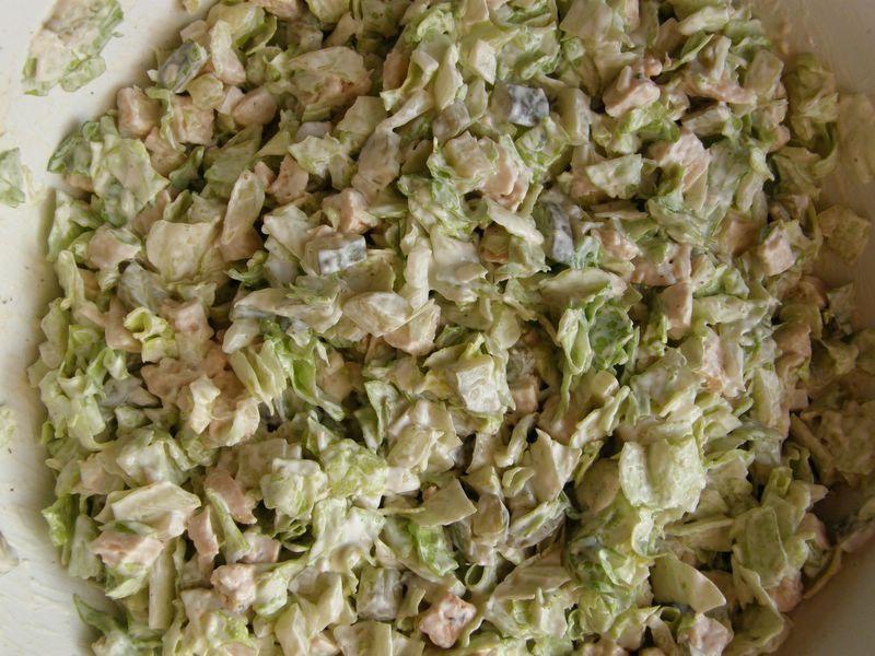 Dietetyczna Salatka Z Salaty Lodowej I Kurczaka Przepis Na