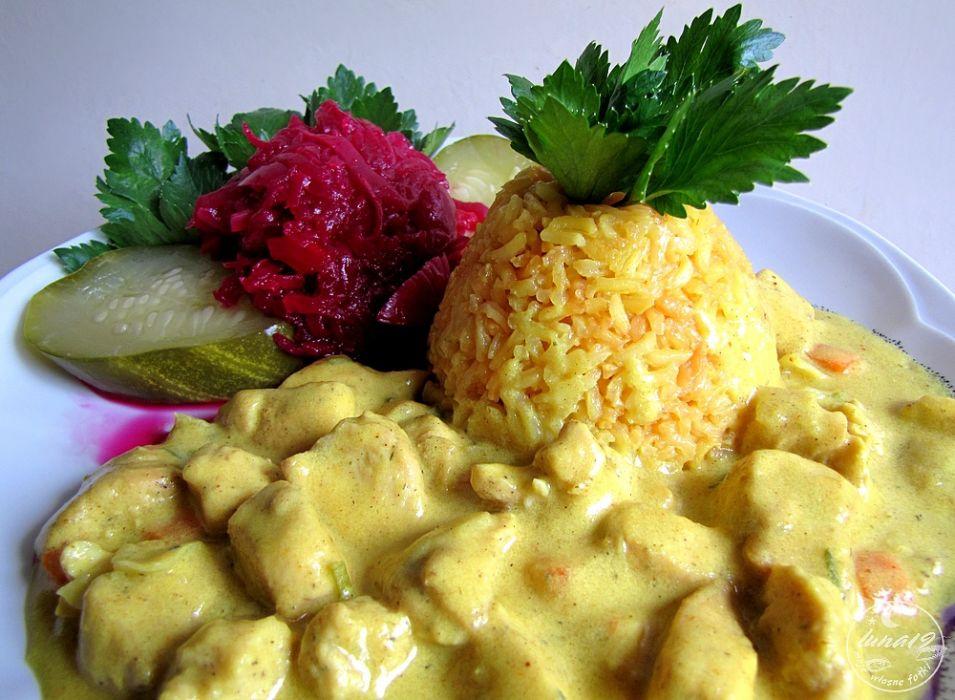 Zolty Ryz I Kurczak W Curry