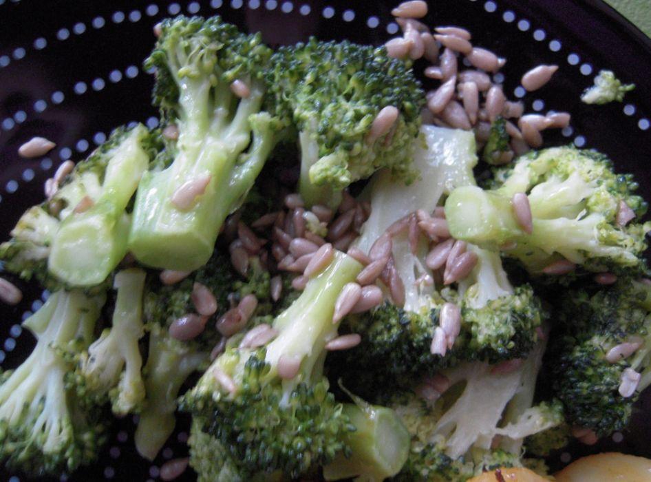 Brokuły ze słonecznikiem