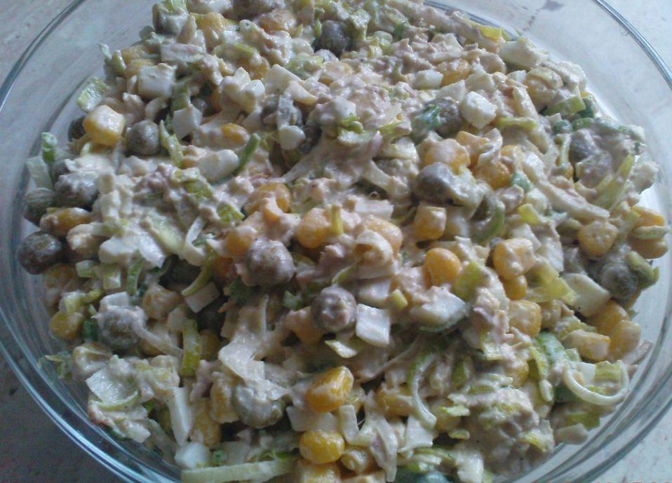 Salatka Z Tunczykiem I Porem Przepis Na Salatka Z Tunczykiem I