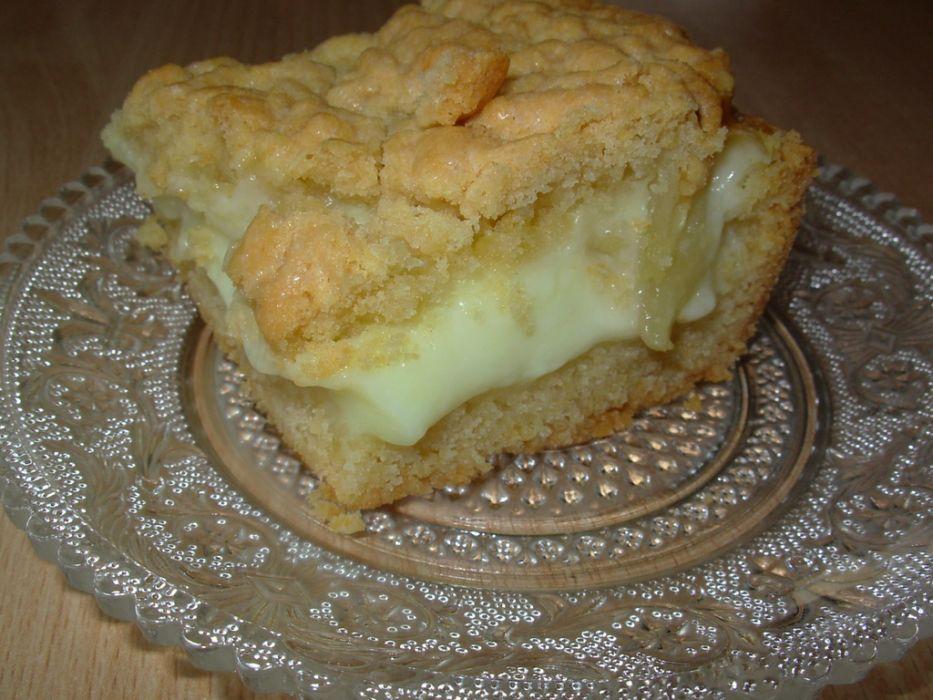 Ciasto kruche z budyniem i jabłkami
