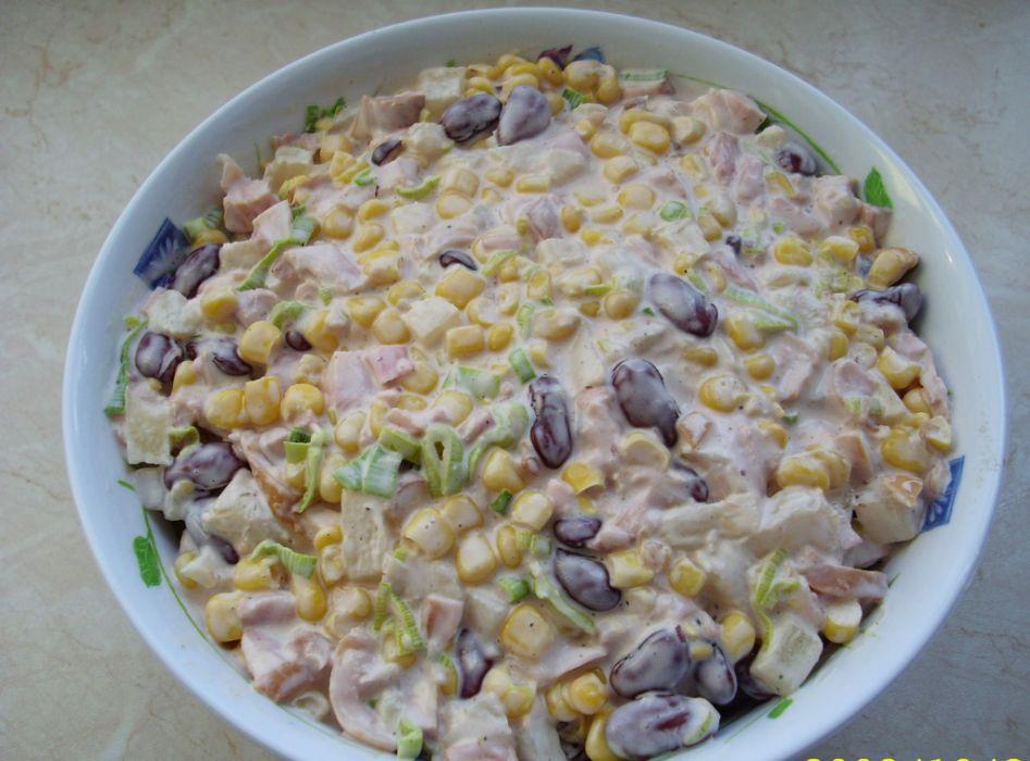Salatka Z Kurczaka Wedzonego Przepis Na Salatka Z Kurczaka