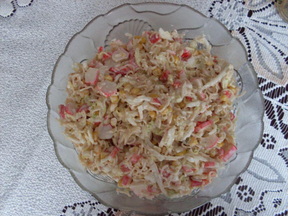 Salatka Z Chinskim Makaronem I Paluszkami Krabowymi Przepis Na